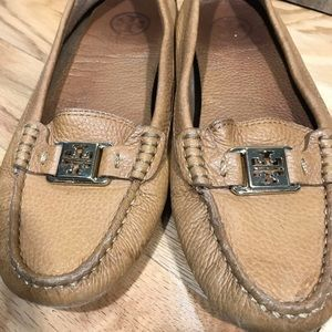 Tory Burch leather kendrick driving loafer sz 8.5